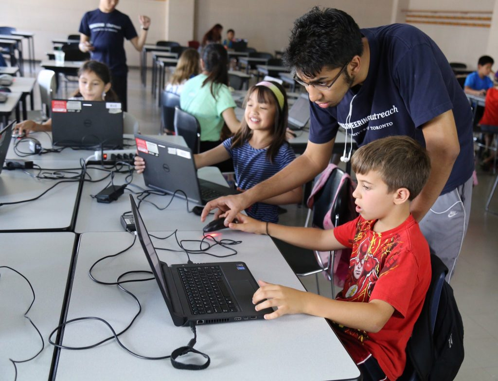 50 Grades 3-6 students came to University of Toronto's School of Applied Science and Engineering on August 3-4 to engage in coding based STEM workshops with Engineering Outreach's own CodeMakers Team.